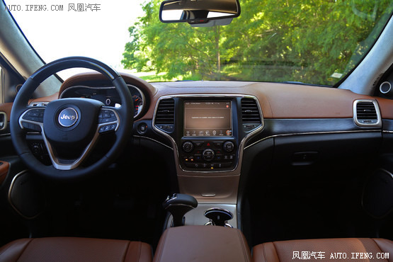 2015款 Jeep大切诺基 3.0L 柴油基本型