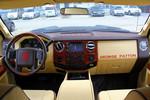 乔治·巴顿 福特F-350改装版 内饰图片