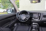 2016款 三菱欧蓝德 2.4L 四驱精英版 7座