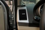 2012款 陆风X8 探索版 2.0L 都市先锋版