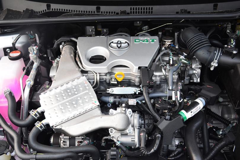 2014款新卡罗拉发动机分解示意图