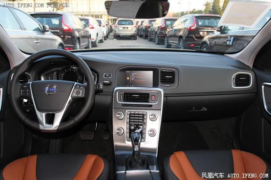 2016款 沃尔沃V60 Cross Country 2.5T T6 AWD