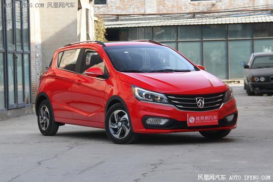 2017款 宝骏310 1.5L 自动豪华型